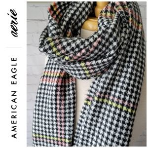 NWOT American Eagle Houndstooth Checker Scarf